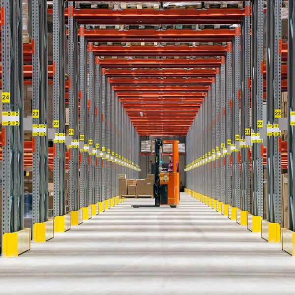 Tips to Keep Your Warehouse Clean 1